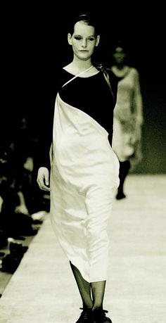 Kirsten Owen at Yohji Yamamoto Spring Summer 1990