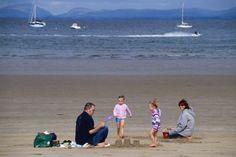 Suivez le guide, Joe McGowan, historien et écrivain Beach, Water, Outdoor, Wales, Beaches, Ireland, Gripe Water, Outdoors, Seaside