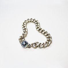 aurora pearl matte silver chain bracelet  / designer custom jewelry 'AUGUST ALICE ' KOREA BRAND / HOMPAGE :   www.augustalice.com facebook:  https://www.facebook.com/pages/AUGUST-ALICE/1480821305483839?ref=bookmarks naver blog: http://blog.naver.com/leesdaum