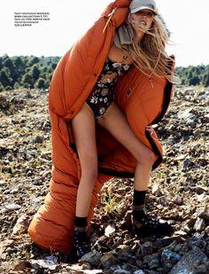 Paul Bellaart Flashes Jessie Bloemendaal In 'World's End' For Vogue Netherlands June 2017