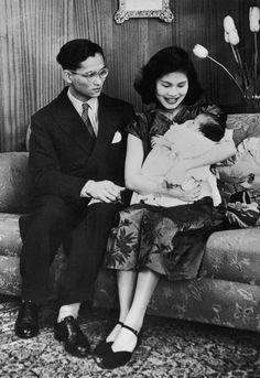 Thailand's King Bhumibol Adulyadej, the world's longest-reigning monarch - Telegraph
