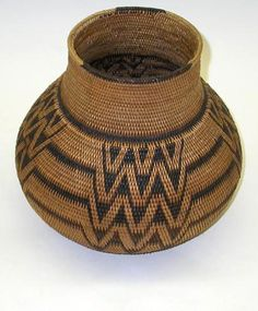 Africa | Basket from Zambia | Woven Raffia