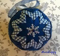 bola navidad patchwork  telas de algodón,bola de pórex,alfileres patchwork