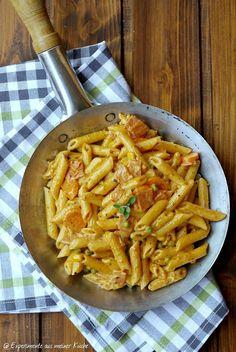 Penne in creamy vegetable ham sauce - Pasta Rezepte - Chicken Recipes Easy Healthy Recipes, Vegetarian Recipes, Easy Meals, Cooking Recipes, Healthy Lunches, Kitchen Recipes, Pizza Recipes, Ham Sauce, Sauce Crémeuse