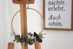 Community-Mitglied blooming.hoops zaubert wunderschöne Blumenkränze aus getrockneten Blumen! #blumenkranz #eukalyptus #diy #dekoidee #COUCHstyle Wreaths, Inspiration, Home Decor, Creative Ideas, Decorating Ideas, Dried Flowers, Floral Wreath, Homemade, Do It Yourself