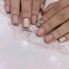 cheetah accent nails with neutral acrylic Fall Acrylic Nails, Autumn Nails, Pink Acrylics, Acrylic Nail Designs, Stylish Nails, Trendy Nails, Nude Nails, My Nails, Cheetah Nails