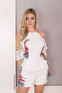 Love the white playsuit Fashion Wear, Fashion Pants, Hijab Fashion, Girl Fashion, Fashion Outfits, Womens Fashion, Hot Outfits, Classy Outfits, Pretty Outfits