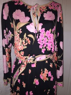 One of the dresses I think I want to keep. To My Mother, Stunning Dresses, Emilio Pucci, I Shop, Paris, Vintage, Things To Sell, Fashion, Moda