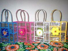 Aprende la técnica para hacer bolsos con botellas de plástico reciclados ~ Solountip.com