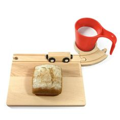 Railway breakfast set - wooden board with railway and Cups