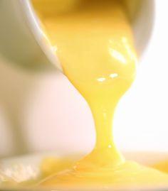 """La crema allo zenzero può essere la farcitura perfetta dei tuoi """"sporcamuss"""" o la base per una coppa golosa di frutta di stagione"""