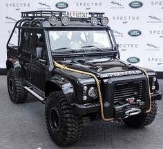 Land Rover Defender - 007 Spectre