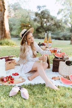Chloe Wine Collection Rosé Picnic in Golden Gate Park - Chloe Wine Collection Rosé Picnic in Golden Gate Park – The City Blonde Chloe Wine Collection Rosé Picnic in Golden Gate Park – The City Blonde - Picnic Date Outfits, Picnic Time, Summer Picnic, Picnic Pictures, Picnic Fashion, Picnic Photography, Picnic Essentials, Romantic Picnics, Picnics