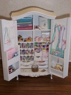 Craft armoire - may have pinned already, but not taking the chance - love it