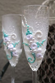 Hey, I found this really awesome Etsy listing at https://www.etsy.com/il-en/listing/253567010/hand-decorated-wedding-champagne-glasses