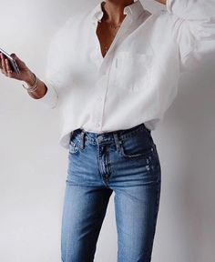 White shirt / Street style fashion / Fashion week / outfits style summer teenage frauen sommer for teens outfits Mode Outfits, Casual Outfits, Converse Outfits, Women's Casual, Fall Outfits, White Casual Shoes, Casual Fall, Look Fashion, Womens Fashion