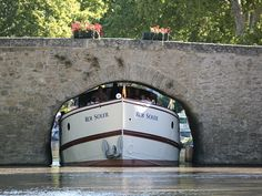 Luxury barge Roi Soleil - Private cruises, Canal du Midi and Provence - Official Site - More a super yacht than a barge Dutch Barge, Le Canal Du Midi, Barge Boat, Bridge Builder, Cruise Europe, Yacht Interior, Canal Boat, Narrowboat, Super Yachts