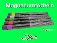 Magenesiumfackel von Blackboxx Intensives Licht auf Magnesiumbasis mit kräftiger Rauchentwicklung in den Farben weiß, rot, gelb, grün und purpur.  #Feuerwerk, #Röder, #Silvester, #Onlineshop, #Magnesiumfackel, #Fackel