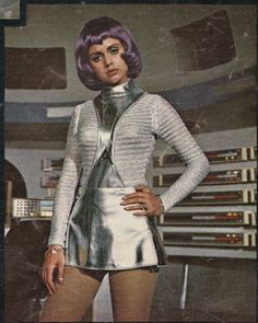 UFO - 1970 - vintage British Sci-Fi Movies and Shows erica motter - freetime. Vintage Space, Vintage Tv, Mode Vintage, Sci Fi Tv, Sci Fi Movies, Space Girl Kostüm, Space Age, Science Fiction, Space Costumes