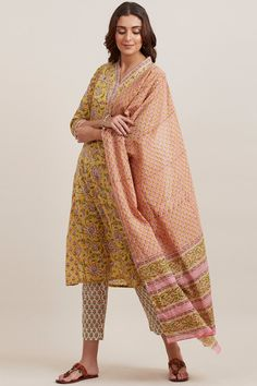 Headlining an exuberant small buti block-print, the Gauhar Nida Dupatta is embellished with hues of pink and yellow. Made from flowy cotton fabric, the dupatta features a vibrant border on the pallu and lends a touch of elegance to any ethnic look. Casual College Outfits, Silk Kurti Designs, Ethnic Looks, Punjabi Suits, Cotton Style, Nepal, Embroidery Designs, Cotton Fabric, March