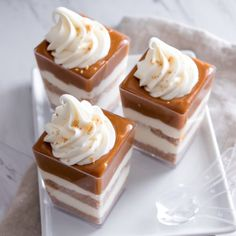 No-Bake Caramel Cheesecake Shooters. An easy fast and visually stunning dessert. These adorable Caramel Cheesecake Shooters can be prepared ahead of time. Desserts To Make, Mini Desserts, Holiday Desserts, No Bake Desserts, Dessert Recipes, Cheesecake Shooters, Dessert Shooters, Dessert Cups, Smores Dessert