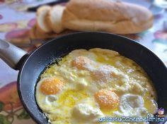 Conoscete le uova alla provatura? E' una ricetta molto semplice di origine laziale che prevede l'utilizzo di un formaggio a pasta molle, la provatura. Frittata, Omelette, Egg Recipes, Brunch Recipes, Breakfast Recipes, Cooking Recipes, Yummy Food, Tasty, How To Cook Eggs