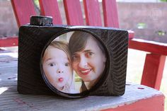 wood block, bottle cap, canning jar lid, black spray paint, and a photo.