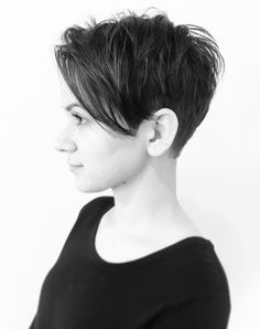 short hair this Edgy Hair Hair Short Short Curly Hair, Curly Hair Styles, Thick Hair, Short Hair Pixie Edgy, Short Hair Cuts For Women Edgy, Asymmetrical Pixie, Short Blonde, Blonde Hair, Popular Short Haircuts