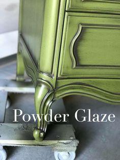 How to powder glaze furniture - DIY Furniture Bedroom Ideen Glazing Furniture, Chalk Paint Furniture, Funky Furniture, Repurposed Furniture, Shabby Chic Furniture, Furniture Projects, Rustic Furniture, Furniture Makeover, Vintage Furniture
