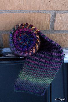 Puro wool striped scarf
