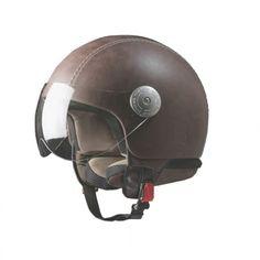 Buongiorno! En Viloop tenemos el casco de moto que necesitabas, ¡no busques más! Se trata de un diseño vintage de la prestigiosa firma italiana Andrea Cardone. Si quieres saber más detalles sobre este modelo consulta en nuestra web. #moto #cascomoto #compras #andreacardone #compras