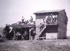 Kibbutz Degania's first building, 1910. (Wikimedia Commons)