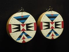 Zulu ear-discs c1950, Iziko South African Museum, Cape Town. See interesting history here.