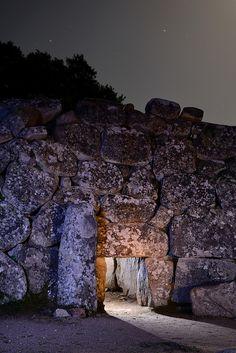 """Tomba dei giganti """"Sa domu 'e s'orku""""    Giants' grave - Sette Fratelli Mountains , Southeastern Sardinia"""