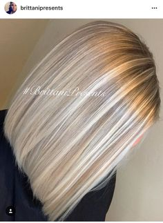 Hairstyle with blonde highlights – beige blonde balayage highlights haare Blonde Balayage Highlights, Balayage Hair, Light Blonde Highlights, Short Balayage, Chunky Highlights, Light Ash Blonde, Silver Highlights, Balayage Color, Bayalage