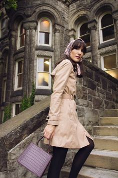 Trench Coat and Scarf Burgundy Handbags, Fall Starts, Fall Looks, That Look, Vintage Fashion, Trench Coats, Guys, Jackets, Outfits