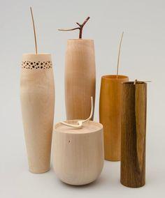 Beautifully refined turned vessels by Horst Kontak, DEN | source http://furnitureandwoodshavings.blogspot.se/