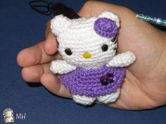 Mini Hello Kitty amigurumi