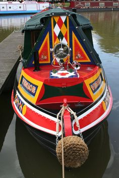 Mel Davis Boatbuilders - Picture Gallery Popup. Barge Boat, Canal Barge, Canal Boat Art, Canal Boat Interior, Narrowboat Interiors, Dutch Barge, Narrow Boat, Boat Decor, Boat Fashion