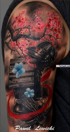 Tatouage samourai – Le tattoo des guerriers en 40 photos Samurai tattoo – The warriors' tattoo in 40 photos Upper Arm Tattoos, Leg Tattoos, Body Art Tattoos, Tattoo Ink, Tatoos, Ink Master Tattoos, Buddha Tattoos, Blue Tattoo, Asian Tattoos