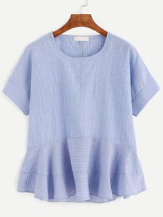 @vskaren http://www.shein.com/?utm_source=normalidadeincomum.com.br&utm_medium=blogger&url_from=normalidadeincomum  Blue Vertical Striped Ruffle Hem Blouse