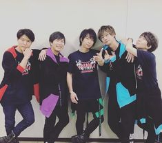 "miYU on Instagram: ""・ ・ このメンバーはエグい😍😍 ・ てか3枚目の破壊力ね!! 全員大好きなAB型トリオなんですけどぉぉぉぉおお!! ・ #kiramune#キラフェス#ファンミーティング#ファンミ#入野自由#神谷浩史#柿原徹也#江口拓也#木村良平#かっこいい"" Tetsuya Kakihara, Hiroshi Kamiya, Japanese Boy, Voice Actor, Kuroko, All Star, Actors & Actresses, The Voice, Anime"