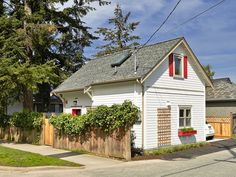 A charming laneway cottage in Vancouver | Smallworks from Small House Bliss by SmallHouseBliss