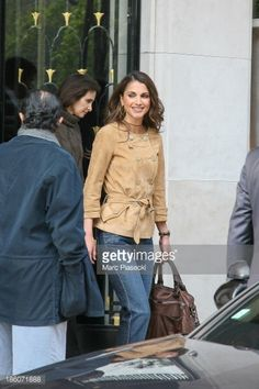 Fotografia de notícias : Queen Rania of Jordan leaves the 'Four Seasons...