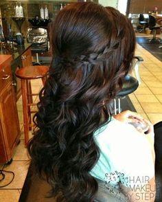 Wedding Hair Hairdo / Peinados para bodas peinados para novias   http://vestidodenoviayfiesta.com/categoria-producto/vestido-de-novia/  #wedding #weddinghair #wedding updo #halfuphalfdown #peinadosparaboda #bodas #peinadonovia #invitadasalaboda
