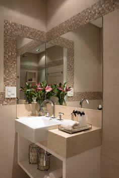 Banheiro Suíte em tons neutros: Banheiros modernos por Semíramis Alice Arquitetura & Design
