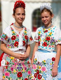 Hungary Kalocsa, my grandma home. she use to dress like that Ukraine, Folk Fashion, Ethnic Fashion, Folklore, Folk Costume, Costumes, Hungarian Embroidery, Folk Dance, Thinking Day