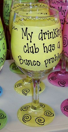 My drinking club has a Bunco problem! Hilarious Funny Wine or Beer Glass Gift Idea Handpainted Large high! Bunco Party Themes, Bunco Ideas, Party Ideas, Halloween Bunco, Bunco Gifts, Bunco Game, Painted Wine Glasses, Holiday Parties, Night Parties