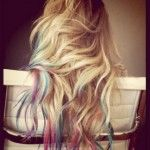 hair chalking? inspiration: 5 year old girls. <3