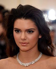 Kendall Jenner Frisuren einfach zu Hause tun
